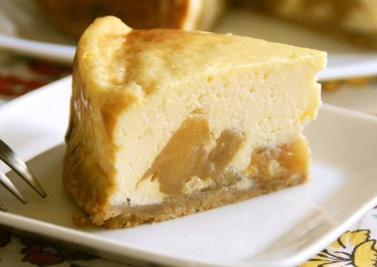 Healthy Caramel Apple Cheesecake