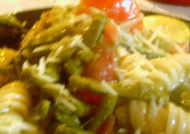 asparagus veggie chicken pasta