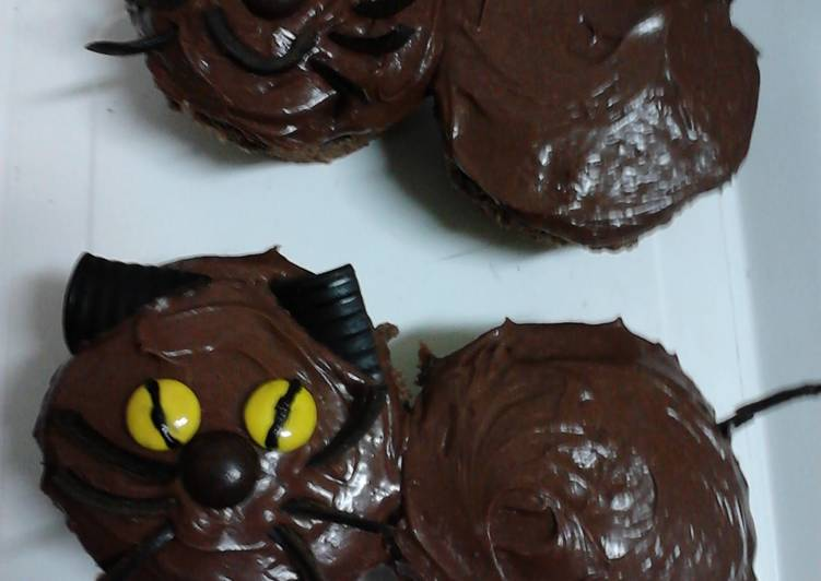 Ladybirds Easy Black Cat Cup Cakes