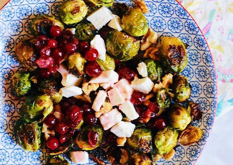 Salad with brussels sprouts and feta cheese in cranberry sauce 🥗