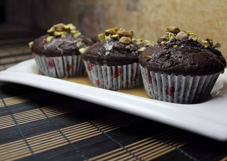The Simplest Choclate Cup Cakes EVER!