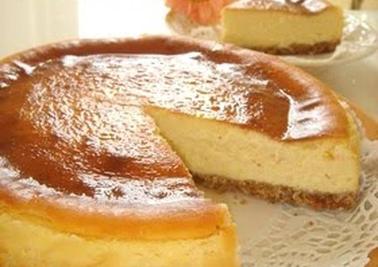 Easy Moist and Rich Cheesecake