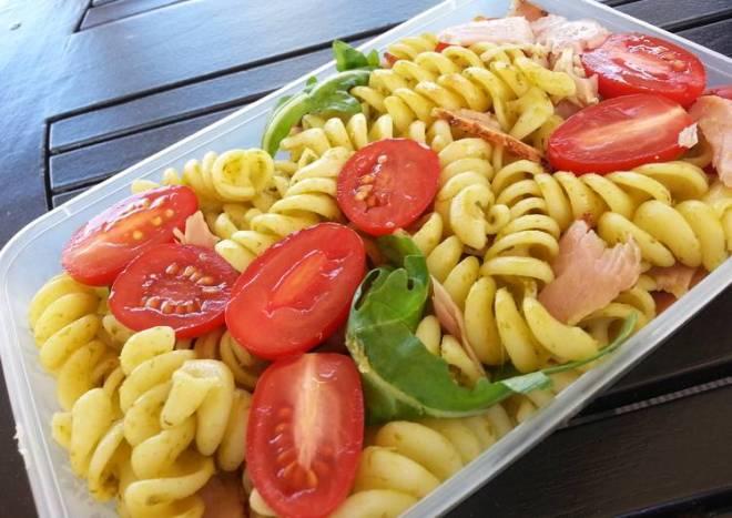 Ham and pesto pasta