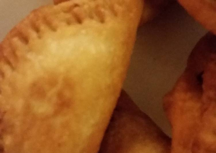 Simple Fried Empanadas