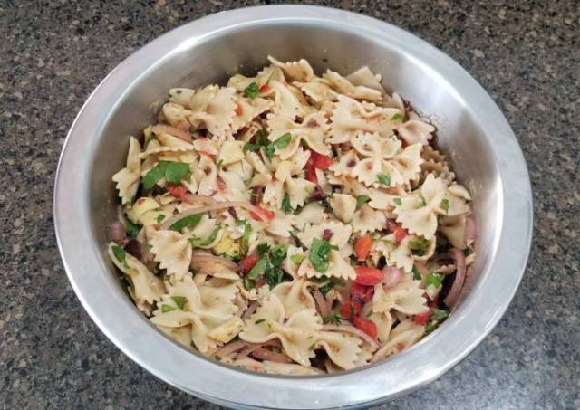 Roasted Red Pepper, Artichoke and Olive Pasta Salad