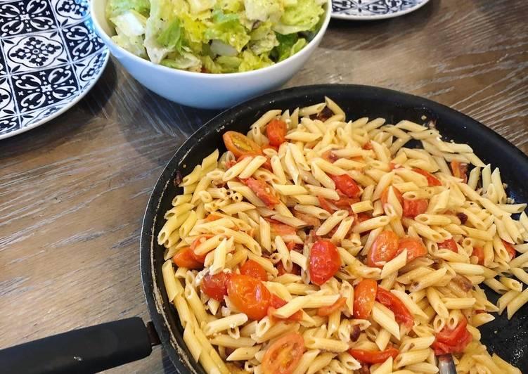 Pasta with Cherry Tomato Date Sauce