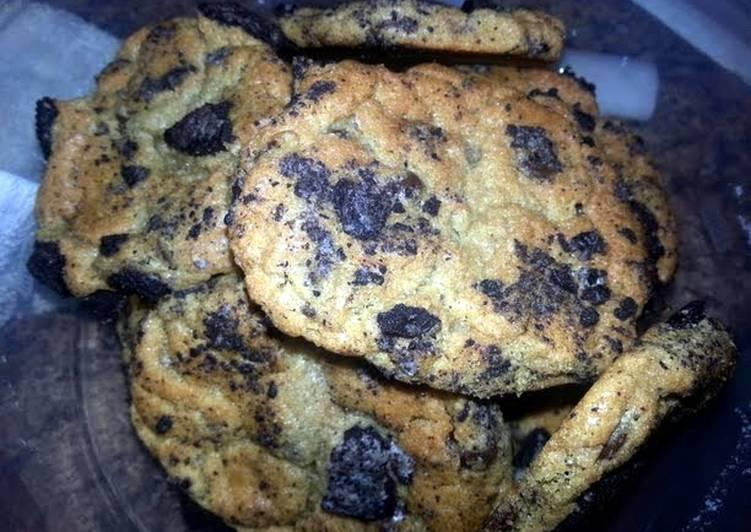 Oreo Blast Chocolate Chip Cookies