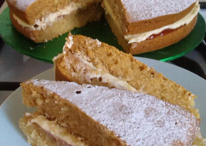 Vickys 'Free-From' Victoria Sponge Cake, GF DF EF SF NF