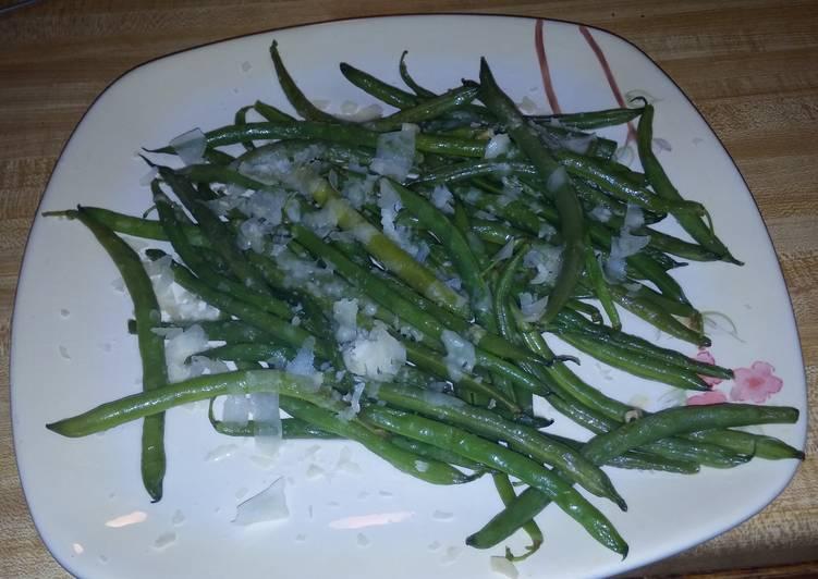 Garlic and Parmesan Sauteed Green beans