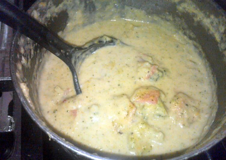 Broccoli cheesy porky soup (keto)