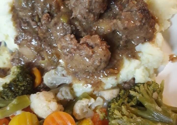 Buttermilk Meatballs in Gravy
