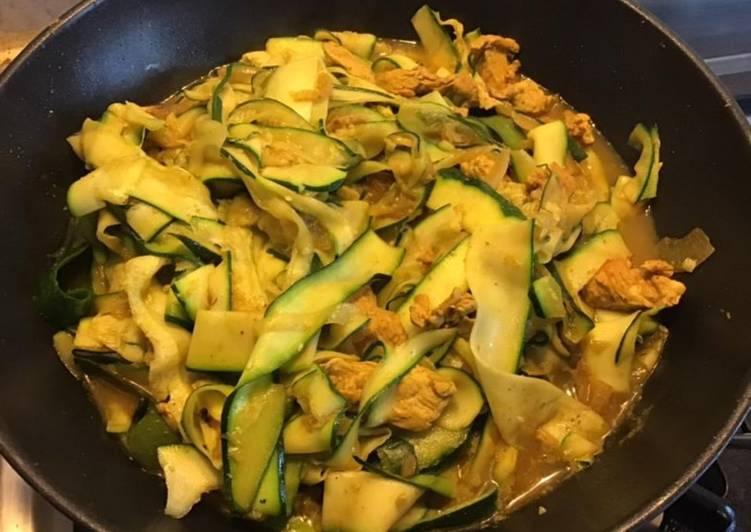 Émincé de poulet aux tagliatelles de courgettes et ras el hanout