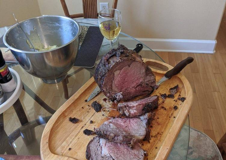 Herb and garlic crusted beef rib roast