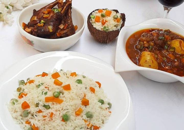 Coconut rice with chicken soup