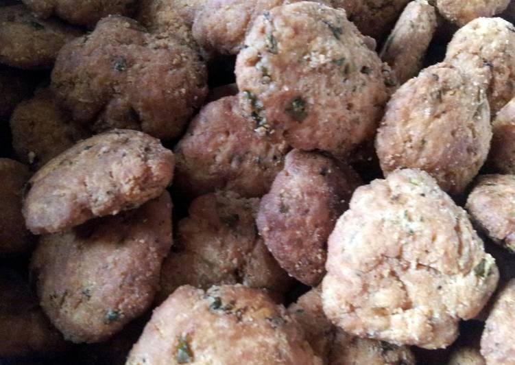 Mathri ( Indian Savoury Snack)