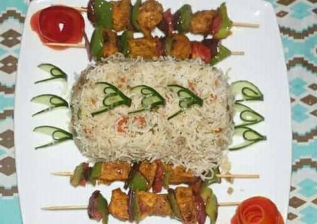 Egg fried rice with chicken shahlik sticks