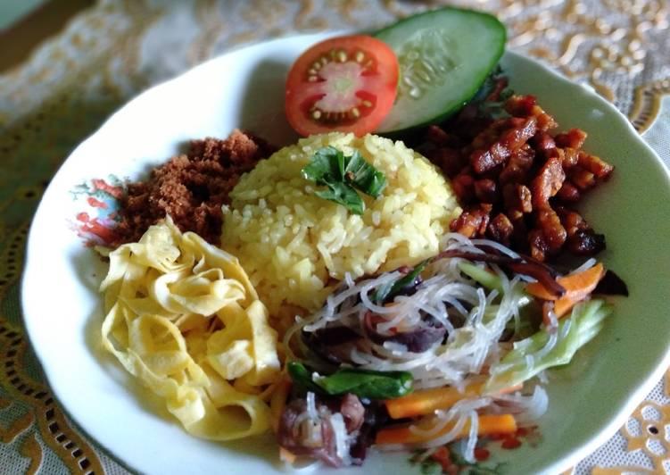 Nasi Kuning Rice cooker + Lauk