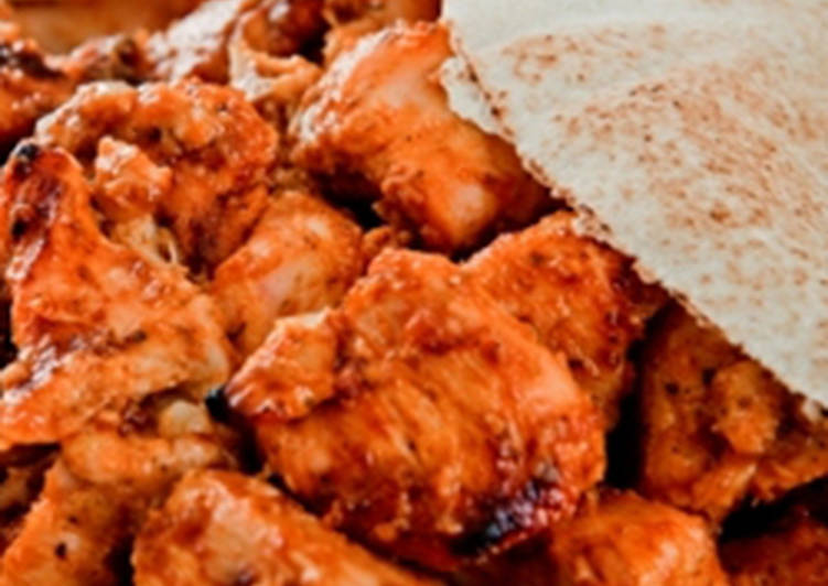 Grilled chicken cubes with garlic and spices - shish taouk