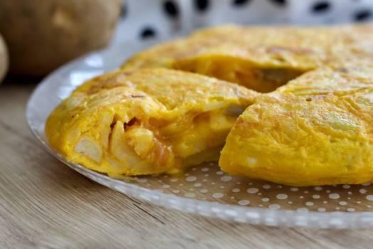 Receta de tortilla de patata rellena de jamón
