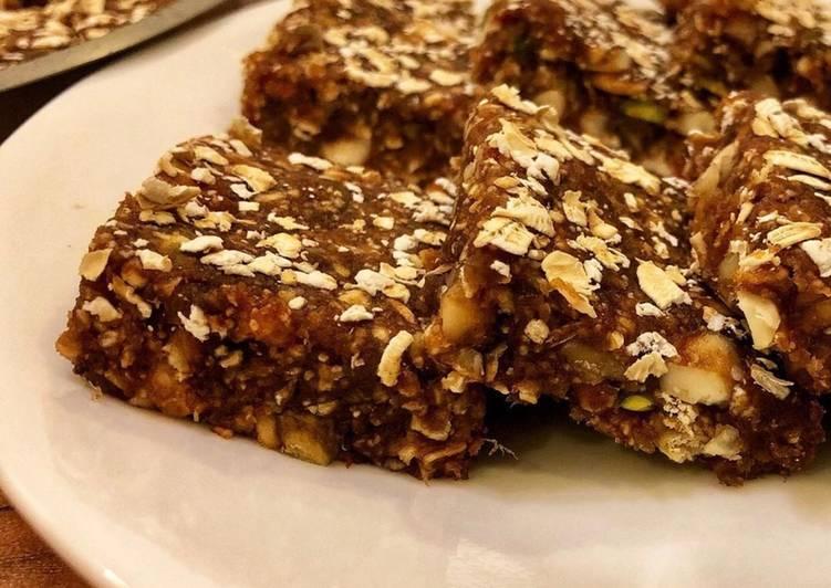 Dates and oats burfi