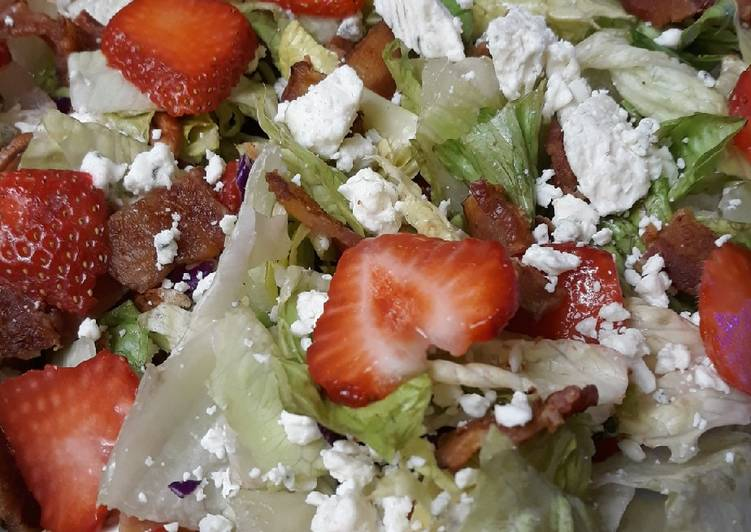 Strawberry Bacon Blue Salad