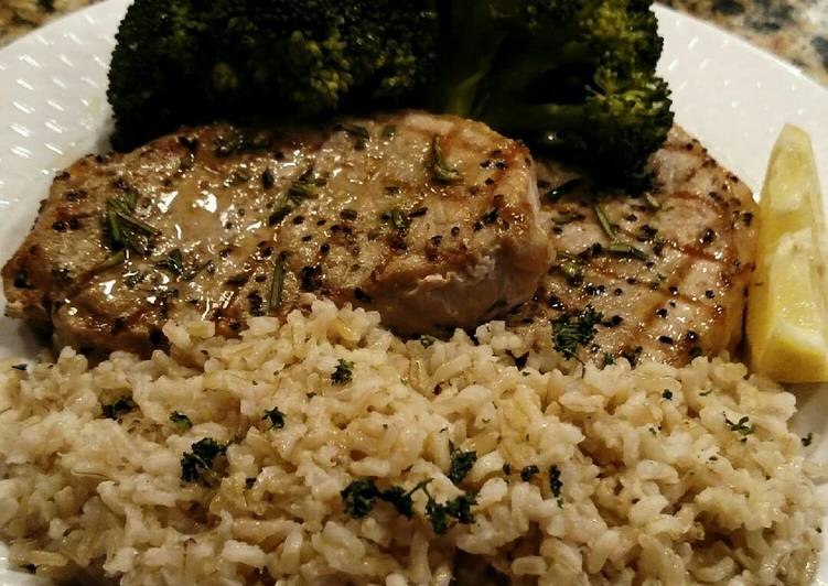 Grilled Center-cut Pork Chops with Steamed Broccoli and Rice