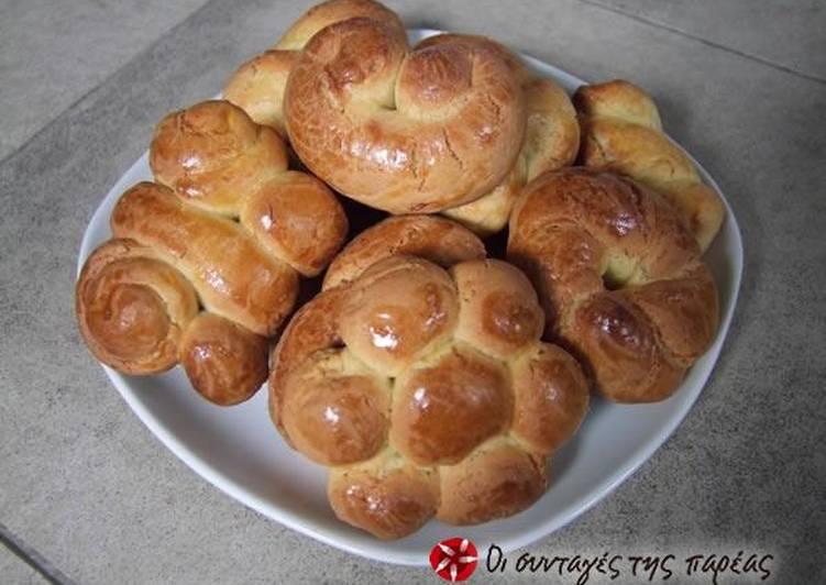 Easter cookies (koulourakia)