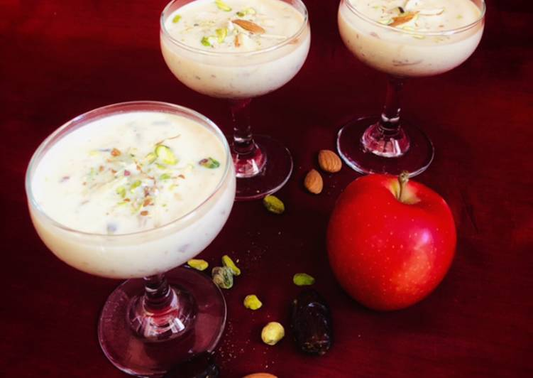 Dates And Apple Kheer