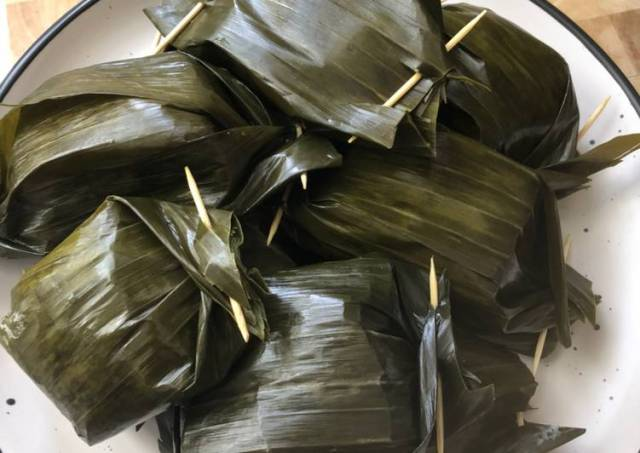 Lemper Ayam (Steamed Sticky Rice with Umami Chicken Layered)