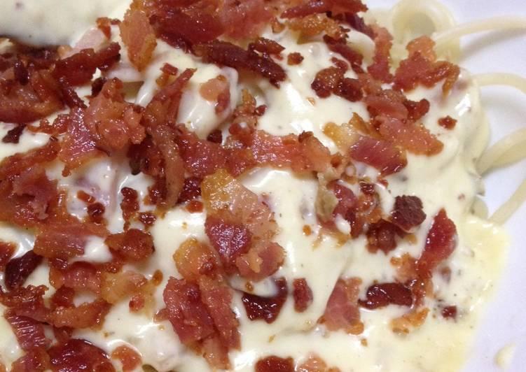 Bacon & Ham Carbonara - quick & easy creamy pasta