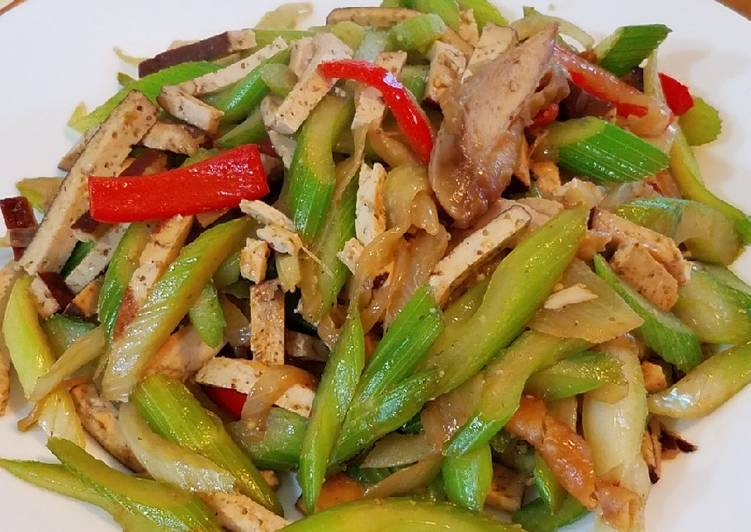 Celery chicken and braised tofu stirfry #mommasrecipes