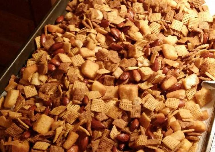 Backyard BBQ Chex Mix