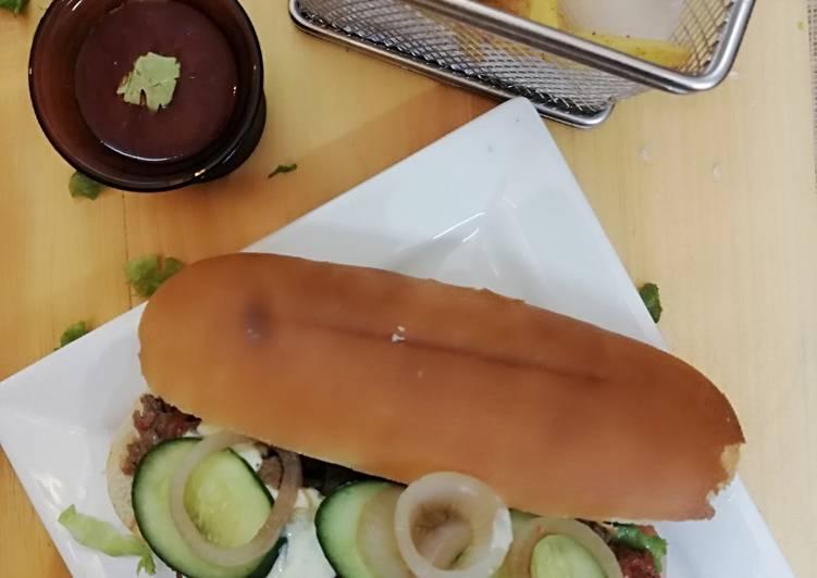 Hunter beef sandwich