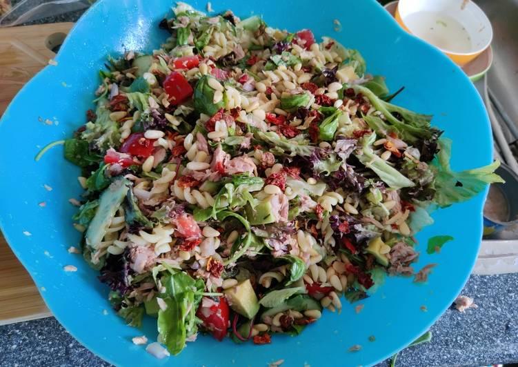 Tuna + Avocado Salad