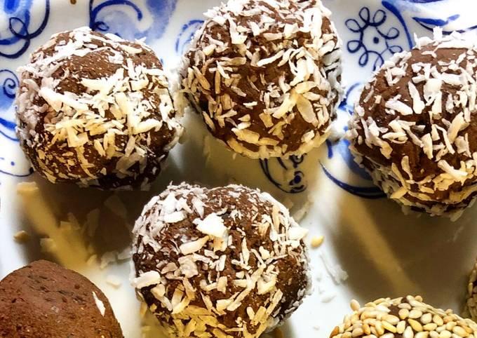 Chocolate black bean balls - vegan