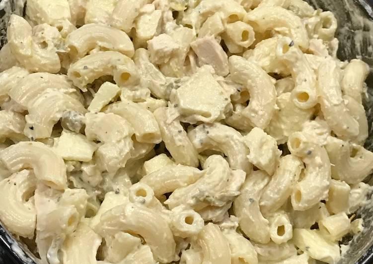 Cold pasta chicken salad