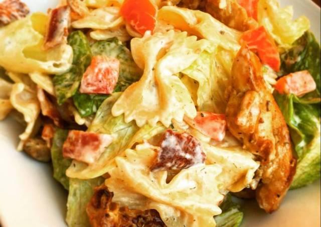 BLT Pasta Salad with Chicken & Ranch Dressing