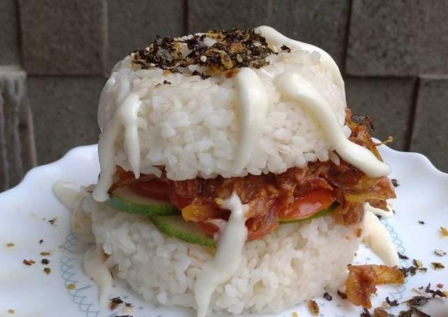 Burger tuna saus asam manis