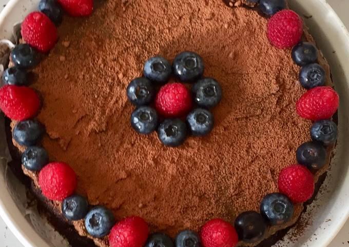 Flourless Chocolate Cake vegan, GF, NF, no added sugar & still delicious!