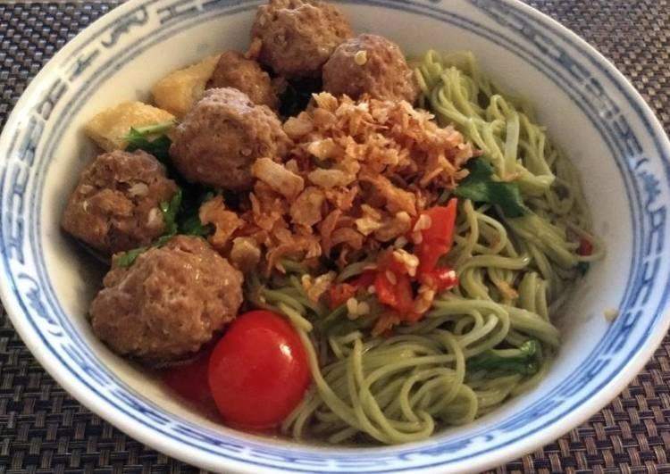 Bakso (meat balls)