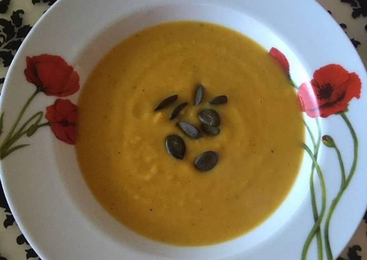 Butternut squash soup (tekvicová polievka)