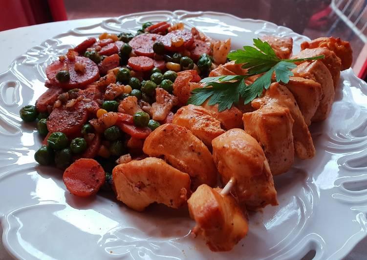 Low-carb Yogurt Chicken kebabs with steamed veggies