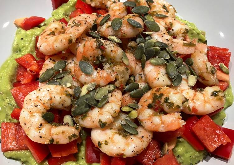 Prawn & Guacamole Salad (Low Carb/Keto)