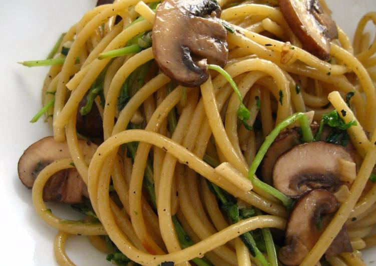 Easy Asian-Inspired Garlic Butter Noodles with Mushrooms & Pea Sprouts