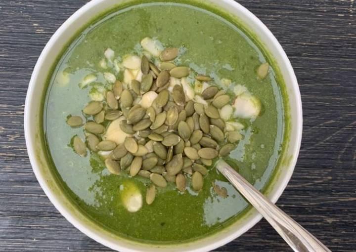 Easy green vegetable lemongrass soup #vegan #vegetarian #gluten-free #paleo