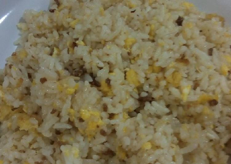 Nasi goreng daging giling telur