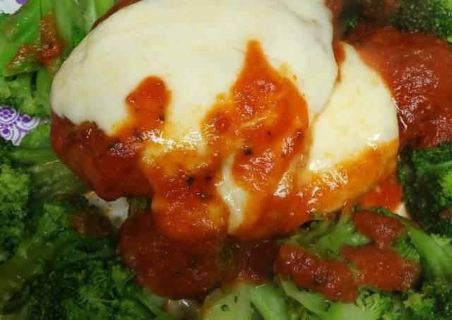 Chicken Mozzarella with Broccoli