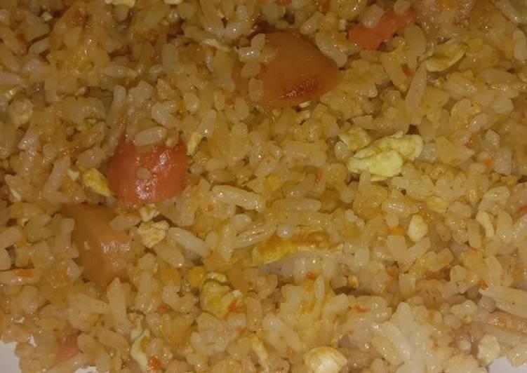Nasi goreng jowo pedis mix sosis dan telur
