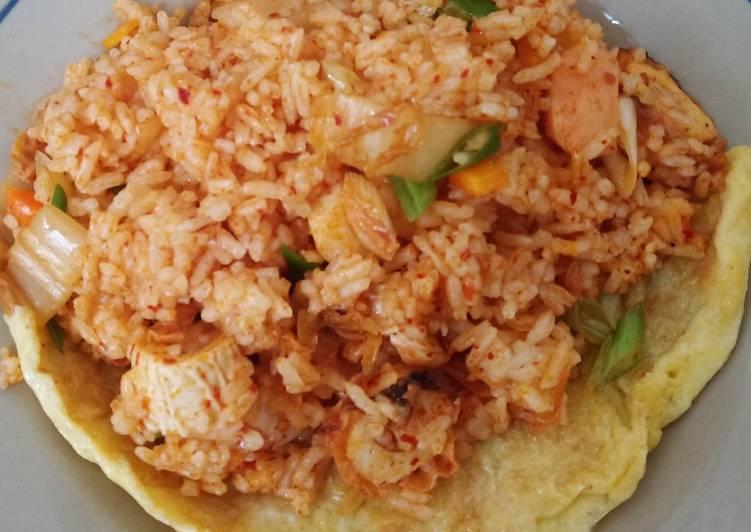 Kimchi Fried Rice (Kimchi Bbokkeumbap)