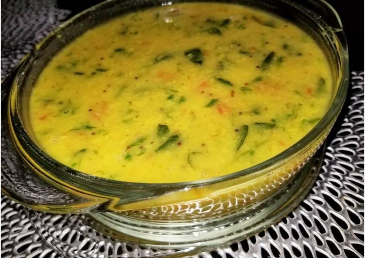 Instant Pot Lentil Spinach Curry